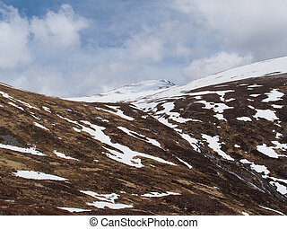 Cainrgorms mountains, Braeriach area, Scotland in spring -...