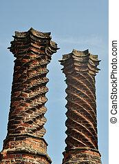 Elizabethan chimneys