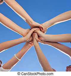 Adolescentes, actuación, unidad, compromiso