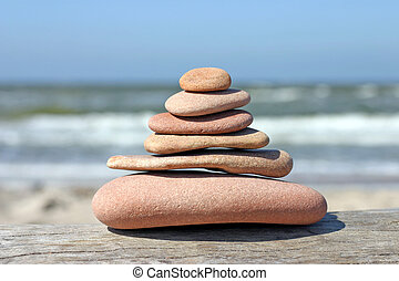 Pebble pyramid, stones balancing on each other