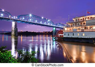 Showboat in Chattanooga - Showboat on the Tennessee River in...