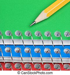 lápiz, cuadernos