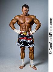 lutador, experimentado,  kickboxer