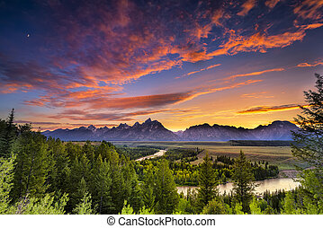 Summer Sunset at Snake River Overlook - Colorful sunset at...