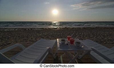 Dolly: Romantic summer beach - Romantic summer beach...