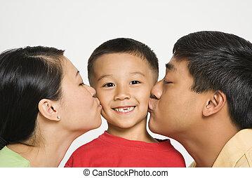 beijando, pais, Menino