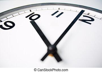 Ten o?clock