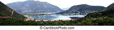 Die Bucht von Nidri auf der Insel Lefkas in Griechenland