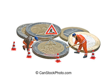 Miniature figures working on a heap of Euro coins.