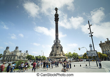 barcelona colon statue - the Colon statue in the centre of...