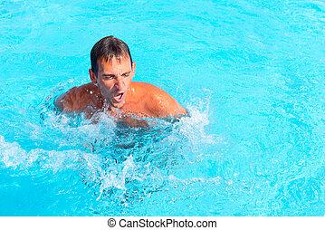 joven, piscina, hombre
