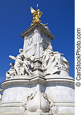 Victoria Memorial in London - The Victoria Memorial in...