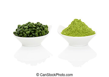 Wheat grass and spirulina. - Wheat grass powder and green...