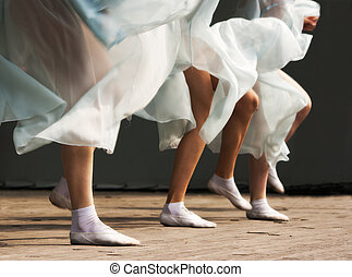 feet dancing women on the stage