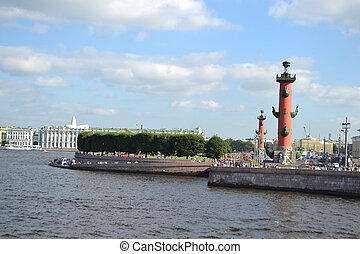 Arrow of Vasilevsky island and Rostral columns - View of...