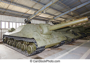 Russian self-propelled gun ISU152 - Russian self-propelled...