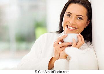café, mujer, bebida, sonriente, Cama