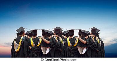 espalda, chino, graduados, azul, cielo