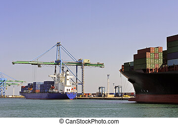 carry containers to quay