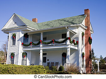 Old White House with Christmas Deocrations - An old white...