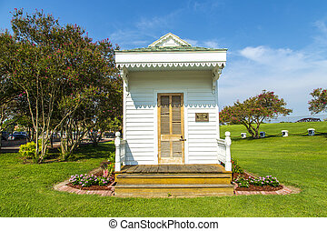 historic Plaquemine doctors house at the Plaquemine lock -...