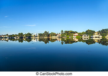 luxury houses at the canal on Pinetree Drive in Miami -...