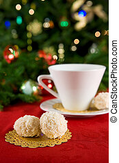 Snowball cookies with tea