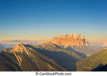 clouds on mountain wetterstein with peak zugspitze