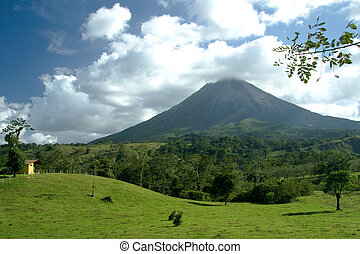 The Arenal Volcano - View of the Arenal volcano in Costa...