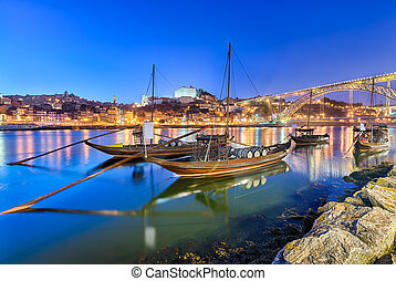 Port wine transport boats in Porto - Traditional boats on...