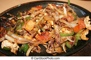 Mexican chicken fajitas - Mexican chicken fajita dinner with...