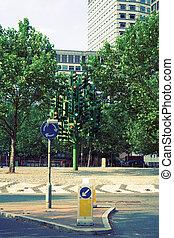 Traffic signal tree