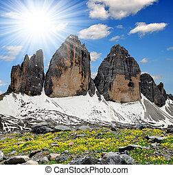 Tre cime di Lavaredo , Dolomite Alps, Italy