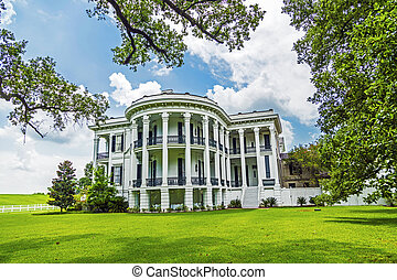 historic Nottoway plantation in Louisiana from outside