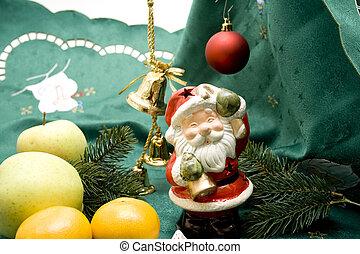 Weihnachtsmann mit Obst