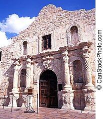 The Alamo, San Antonio, USA. - Front facade of the Alamo,...