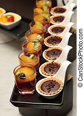 mini chocolate tart and fruit jelly
