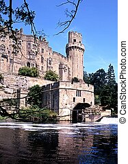 Castle & River Avon, Warwick. - Waterwheel on the side of...