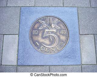 moneda, cinco, centavos, pavimento
