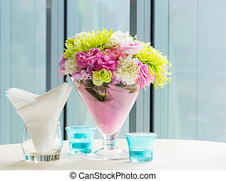 Flower bouquet on table - Close up beautiful flower bouquet...