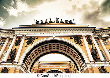 Saint Petersburg - Triumphal Arch of General Staff Building...
