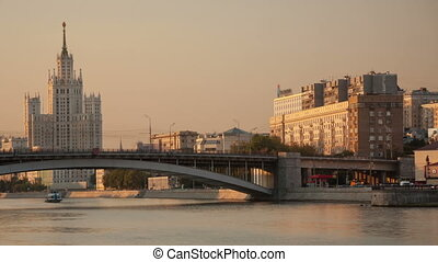 Kosmodamianskaya embankment walk hyperlapse -...