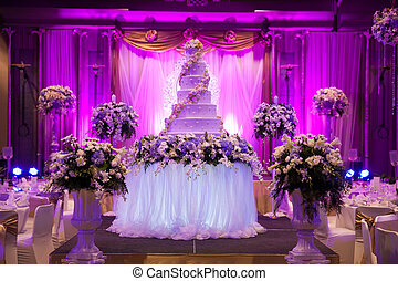 Wedding Banquet. The vases are decorated with beautiful...
