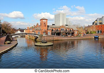 Birmingham canal - Birmingham water canal network - famous...