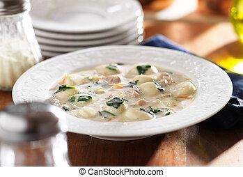 galinha, gnocchi, sopa, refeição