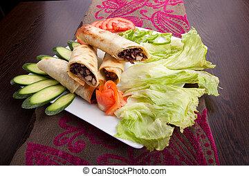 kafta, shawarma, carne, pita