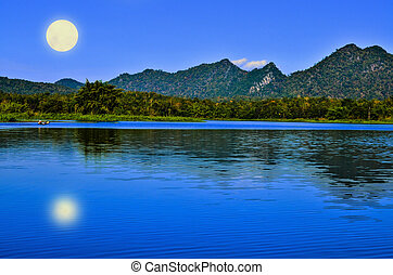 Full moon light - Reservoir Smepatag village in Lampang on...