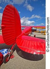 Cessna 140 - Tailwheel of a Cessna 140 vintage airplane