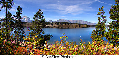 Grand Tetons panorama - Panoramic landscape of Jackson lake...