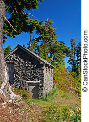 Mountain Hut - Little Hut in the North Cascade mountians of...
